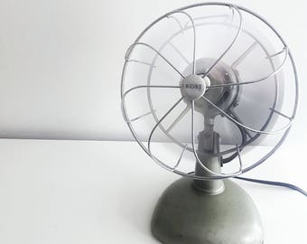 Vintage Electric tabletop fan - Frost Desk Fan - Industrial with metal base and steel blades