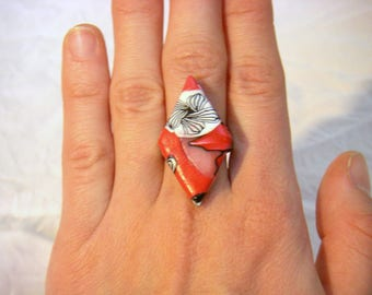 Ring fimo Rhombus, red, white, red floral motifs