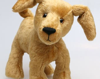 Goldie is a friendly and very well behaved, artist teddy dog made in beautiful golden old English mohair by Barbara Ann Bears