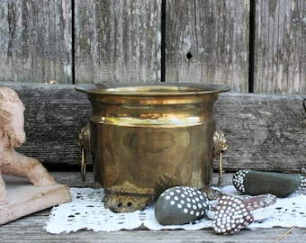 Lovely Vintage Tarnished Brass Planter With Feet and Lion Heads On Sides