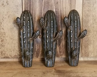 Cactus Wall Hook/ Cactus Decor/ Southwestern Decor/ Entryway Hook/ Towel Hook/ Cast Iron Hooks/ Tree Decor/ Tree Hook/ Tree Branch