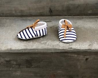 Summer Moccs, Baby moccs, Baby moccasins, Strips moccasins, Summer moccasins