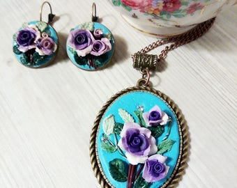 Cameo, turquoise pendant with roses, pendant set with earrings
