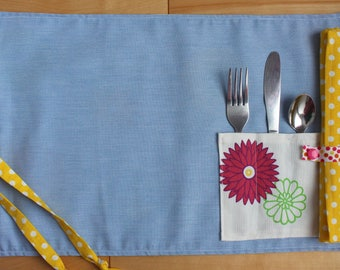 Placemat with utensil pocket + reusable napkin | Zerowaste Roll up placemat | School lunch essential | ecological on the go | Made in Quebec
