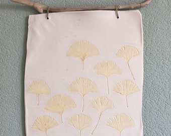 Porcelain wall hanger pressed with ginkgo leaves