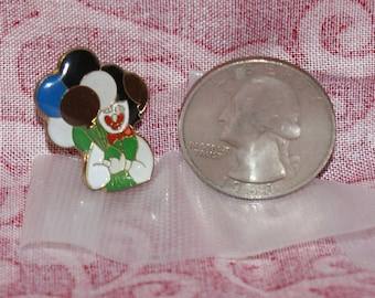 vintage clown with balloons hat pin and pin back 372A