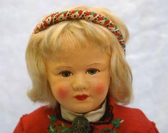 Heddal Bunad ~ A Vintage Rønnaug Petterssen Doll In Raudtrøje
