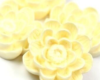 Flower Cabochon Plastic 24mm Ivory (2) PC151