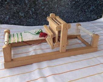 Vintage Weaving Loom with Shuttle – Retro weaving loom - Weaving tools - Beginner weaving kit - Child Weaving Loom - Portable loom - Old