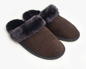 Slippers of sheepskin with suede