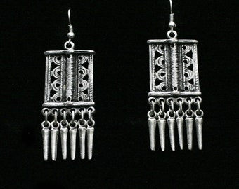 Antique Silver Plated Pewter Jewelry Earrings NE1189