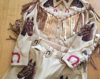 1940s COWGIRL Western suit Vintage western wear Museum piece Rosebowl parade suit, Rockabilly cowgirl Vlv suit Nudie suit style Horse parade