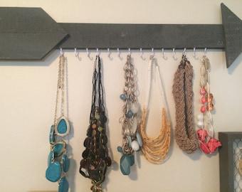 Arrow jewelry hanger