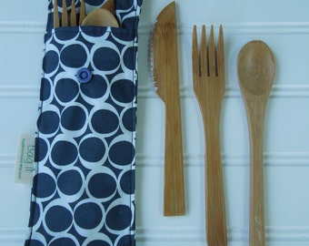 Reusable bamboo cutlery and carrying pouch - Picnic cutlery case - Flatware pouch - Bamboo cutlery - Waste free lunch - Round elements