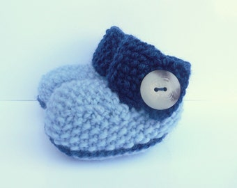 Knitting Pattern Baby Booties - Big Button Baby Boots (Sizes for 0 - 12 mths)