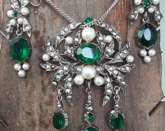 Vintage earring and brooch demi parure by mode-art