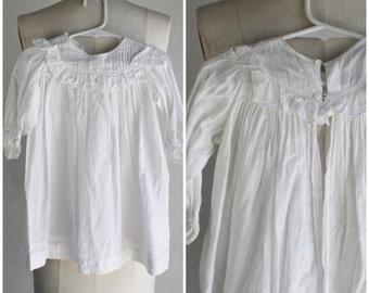 Vintage 1920s 1930s Girls White Cotton Smock Dress / Toddler Over Dress / Christening Baptism Dress / Little Girls Fancy Dress / Lace Trim