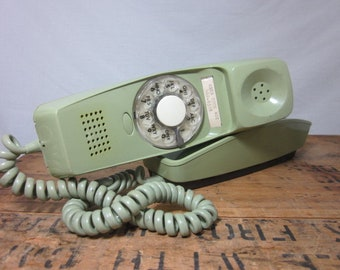 Cool Vintage Green Rotary Phone!