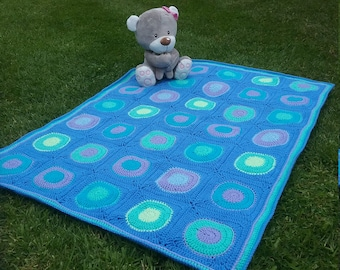 Baby cot blanket - Spots and Dots