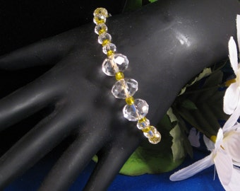 Stacey Bracelet. This bracelet is bright and sunny and just a dream to wear!