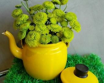 Arabia Finel enamel Teapot Yellow. 1960's. Made in Finland. Mid Century design