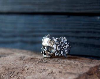 Silver skull ring - Flower skull ring - Flowers and skull - Sugar skull - Mexican skull - Gothic ring - Dia de los muertos