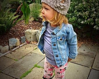 Crochet Flower Girls Beanie, girls beanie, girls hat with Pom Pom, toddler beanie