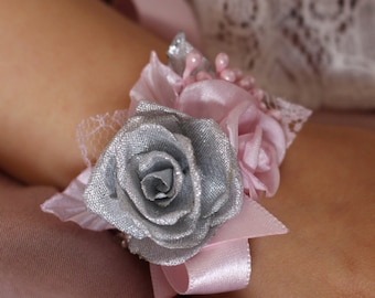 Wedding rose Wrist Corsage,Light pink silver flower Wrist Corsage,baby girls flower Wrist Corsage,Bridesmaid Corsage,Roses Fabric Bracelet