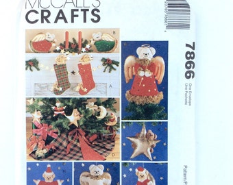 Christmas Pattern, McCall's 7866, A Very Beary Christmas, Christmas Stocking, Tree Topper, Tree Skirt, Ornaments, Vintage Uncut Pattern
