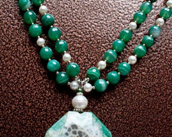 Green Agate Necklace - Chrysoprase - Freshwater Pearl - Natural Jewelry - Chunky Jewelry