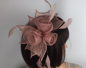 Dusky Blush Pink fascinator Blush comb fascinator dusky pink fascinator rose gold flower wedding races funeral occasion hair accessory