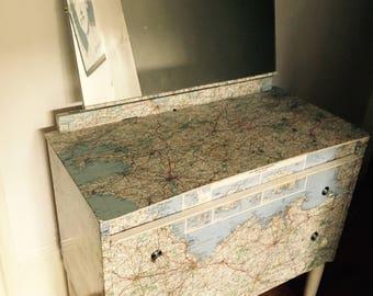 European map dressing table