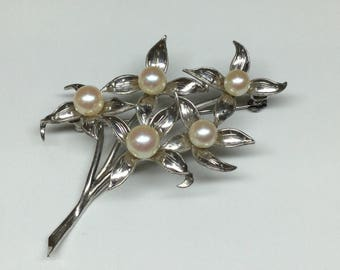 Vintage 950 Sterling  Silver And   White Pearl Flower Pin/Brooch!!!  Free US Shipping!!!