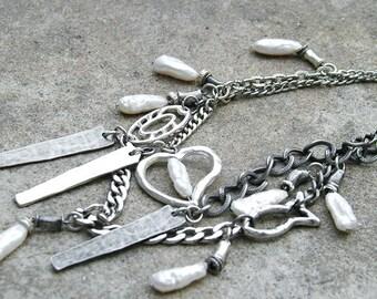 Statement pearl necklace. Multi strand chain necklace. Boho necklace. Bohemian necklace. Baroque pearl. Unique design.