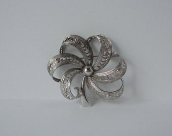 DANE CRAFT Sterling Filigree Flower Brooch. Filigree Flower Pin.