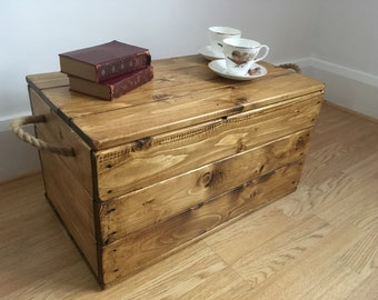 Storage Chest, Storage Box, Blanket Box, Trunk, Coffee Table, Reclaimed Pine, Rustic, Waxed. Lift Off Lid, Jute Handles