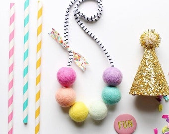 The party girl necklace