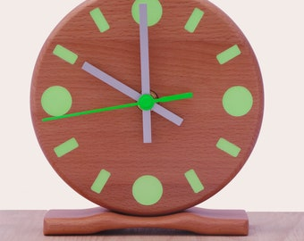 Wooden Desk Clock -  Radio Controlled Movement 15 x 15 cm