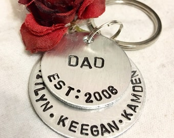 Personalized Dad, hand stamped keychain, fathers day, personalized jewelry, children neames keychain, silver dad keychain, gift for dad,