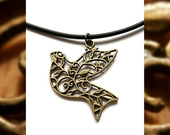 Vintage Design Bird Necklace // Vintage Bird Pendant