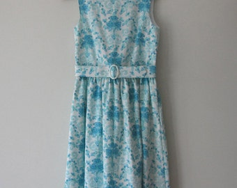 SALE 1950s vintage-style dress