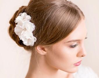 Wedding Flower Hair Piece - Bridal Hair Piece Floral - Wedding Headpiece - Bridal Headpiece with Lace and Rhinestone - Flower Hair Comb