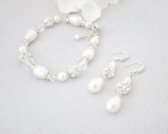 Swarovski pearl jewelry set-White pearl teardrop bracelet and earring set-Pearl bridal set-Unique rhinestone and pearl jewelry-Wedding set