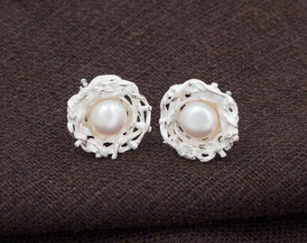1 pair of 925 Sterling Silver Bird Nest Stud Earrings 12mm, With Pearl. , matte finished  :er1068