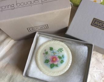 NIB Vintage Avon Spring Bouquet Pin, 1984