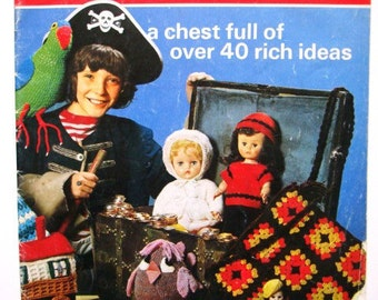 Patons Treasures No 184 Patterns - a Chest Full of over 40 Rich Ideas: Dolls, Toys, Cushions, Gifts and more