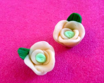 Set of 2 polymer clay flower beads
