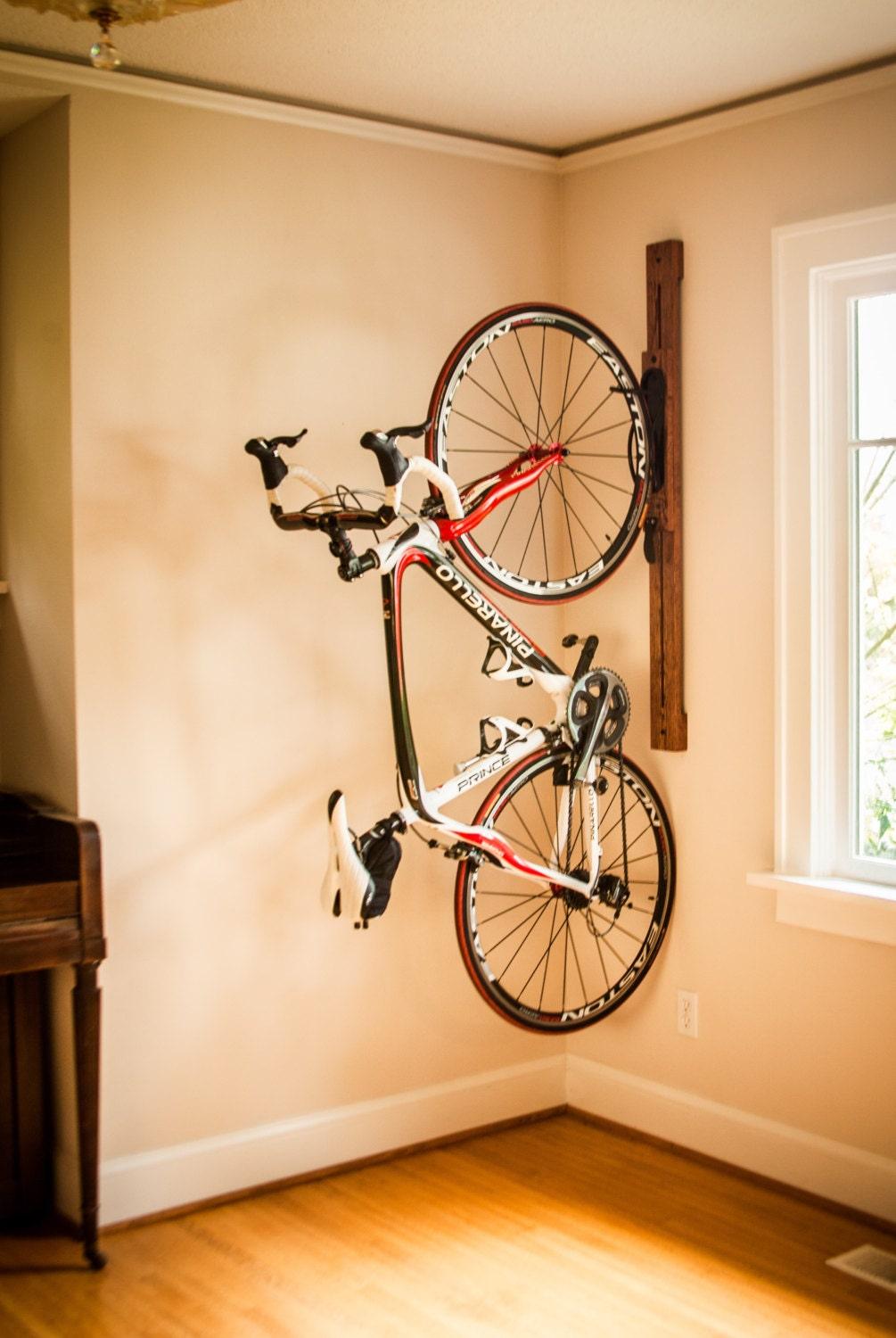 Bike rack 4 Adjustable Vertical Wall-Mount for Home or