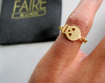 Gold Skull pinky ring, chain rings, tiny skull ring, statement ring, dainty gold ring, girlfriend gift, tiny skull ring, pinky ring gold