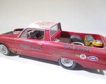 Ford Ranchero,ScaleModel,JunkerModel,OOAK,JunkYard,OldSchool,PickupTruck,RustedWreck,124Scale